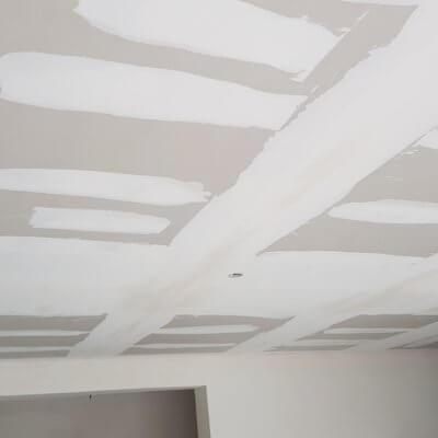 enduit-finition-plafond-menuistore