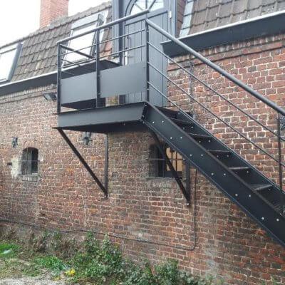 escalier-12-sur-mesure-menuistore-valenciennes