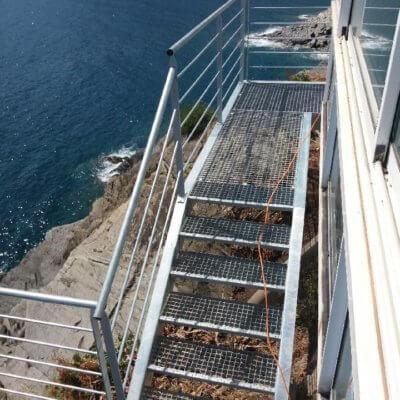 escalier-2-sur-mesure-menuistore-valenciennes