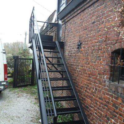 escalier-7-sur-mesure-menuistore-valenciennes